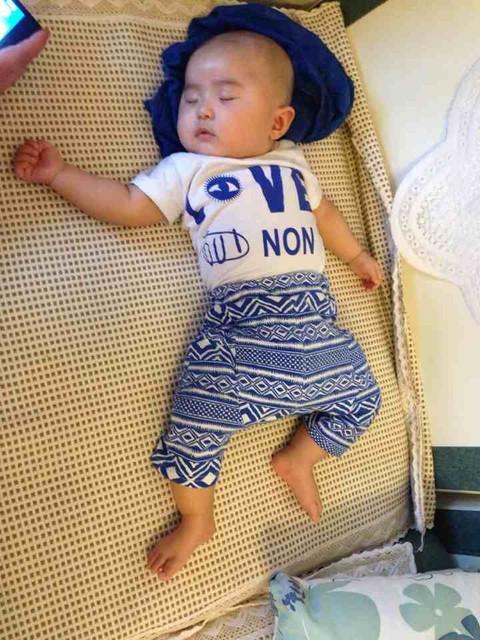 宝宝短裤的松紧裤腰带太紧