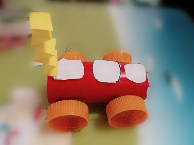 新奇的小汽车